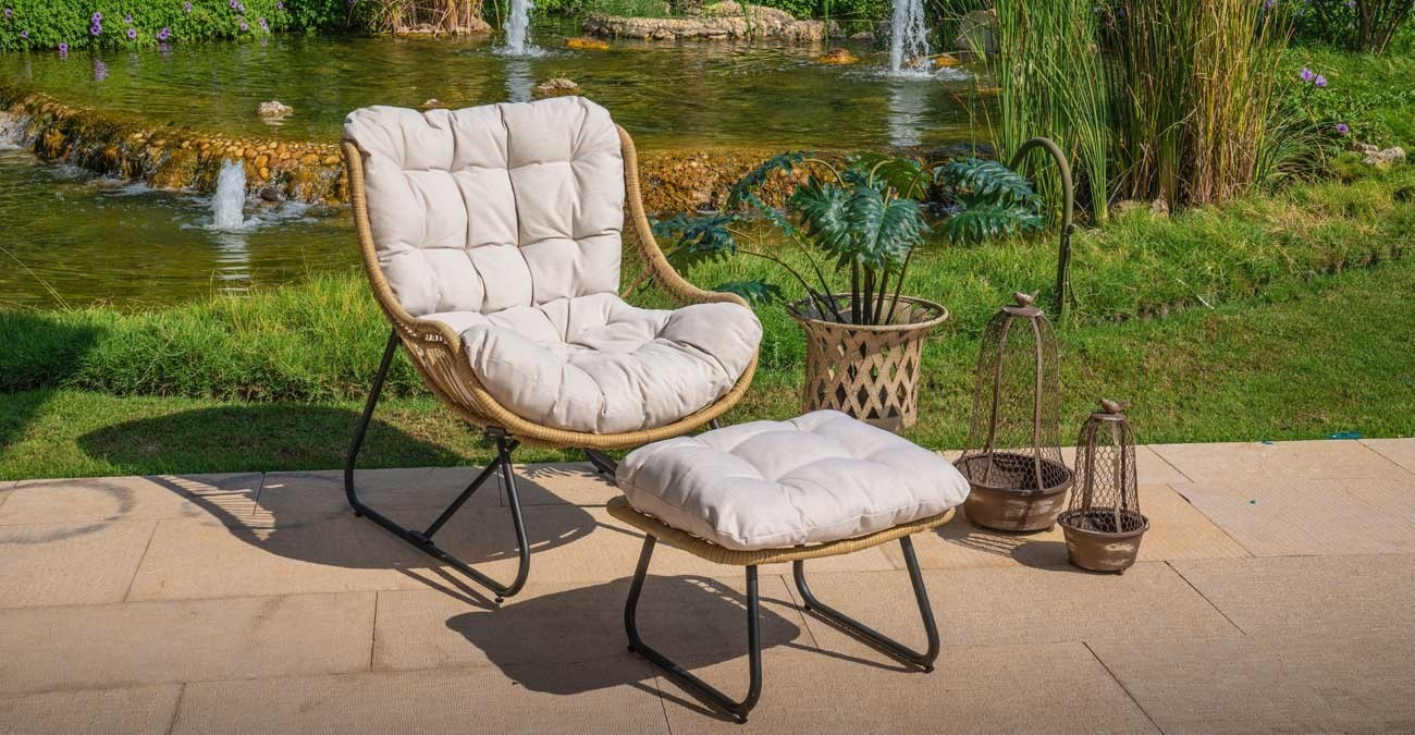 Ebiza Chair With Ottoman  data-src=